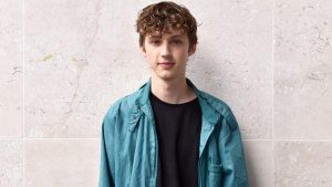 """Lauv Unveils New Single """"I'm So Tired…"""" With Troye Sivan"""